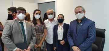 Diretora da FATECPB participa de reunião sobre imunização de profissionais de educação com Prefeitura de João Pessoa